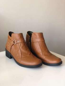 Se venden botines nuevos en perfecto estado