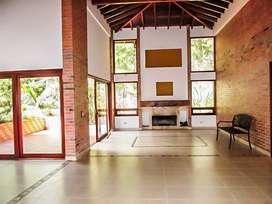 Casa Residencial en Arriendo Envigado Loma del Escobero. Cod PR5715