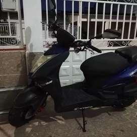 Venta moto usada año 2015