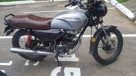 Vendo moto NKDR 125 en buen estado, economica