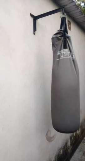 Bolsa de boxeo con ménsula incluida