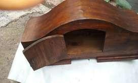 Antiguo reloj motor y caja falta frente