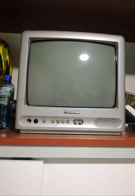 "Panasonic 2003 13"" TUBO CRT TV televisión en color modelo CT-13R38SG Retro Gaming Aprox."
