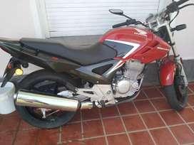 Vendo moto primera mano como ok 3000km