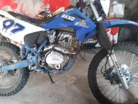 Axo 250     cambio  con moto  mas  pequeña   matticula  atrasada  costo $240