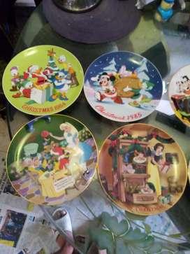 Vendo 6 , platos disney , cerámica