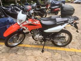 Honda xr150L como nueva