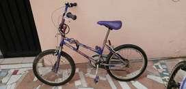 Bicicleta clásica para niña