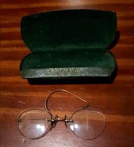 Antiguos lentes con estuche original