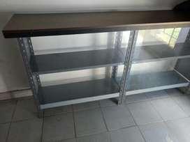 Mostrador/vitrina Estructura  Metalica Y  Tapa de Melamina y frente de Vidrio