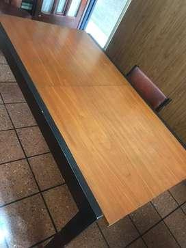 Juego mesa de comedor ext. + 6 sillas de madera