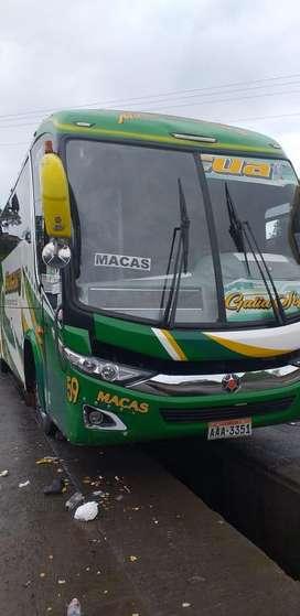 Vendo bus Hino AK con derechos y acciones