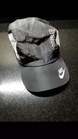 Gorra con visera Nike
