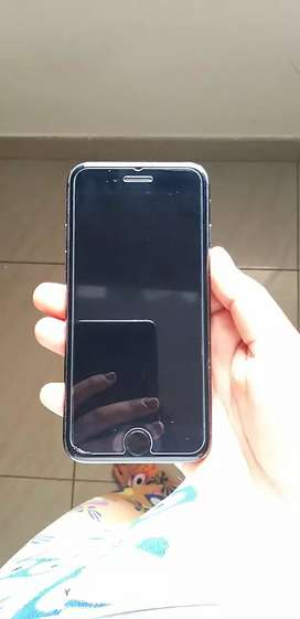 IPHONE 8. 64 GB