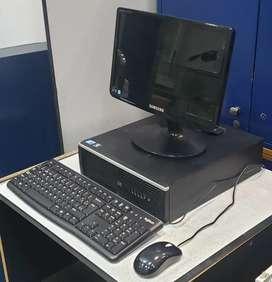 Computadora HP 8000 con mouse, teclado y monitor