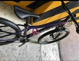 Vendo bicicleta treck marlin 5 pará dama poco uso