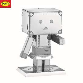 Modelo Metalico Cardboard Man