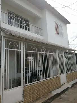 SE VENDE CASA DE 2 PLANTAS CON APARTAMENTO INDEPENDIENTE Y DOS HABITACIONES INDEPENDIENTES