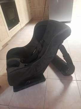 Vendo silla para carro usado