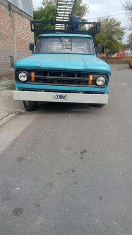 Vendo Dodge D100 gnc 16m.