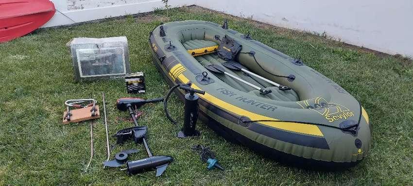 Bote inflable Sevylor HF360 (6pers) c/ Motor Eléctrico 55 lbs y accesorios. Ideal p/ trolling. EXCELENTE ESTADO!! 0