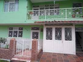 Venta Casa 2 Pisos con Terraza Y Patio