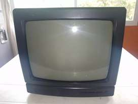 SE VENDEN 2 TELEVISORES CONVENCIONALES.