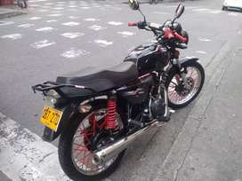 Me ofrezco para trabajar en cualquier área tengo moto al día y pase