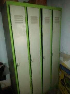 Lockers Metálicos  de 4 puertas