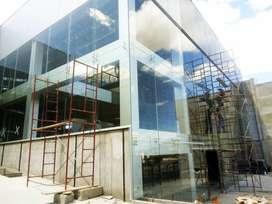 Maestro en aluminio y vidrio