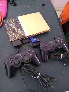 Play 2 con juegos incorporados