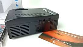 Mini Proyector Portatil UNIC UC18 Full HD Cine En Casa Led Multimedia