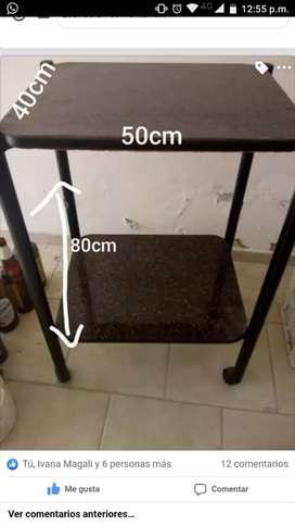 Mesa con rueditas