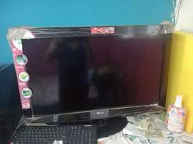 Se vende televisor LG PANTALLA plana lcd de 32'' con usb, hdmi.