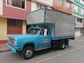 DODGE 300 en buen estado gas gasolina listo para traspaso. 12500000 NEGOCIABLES