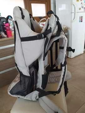 Mochila porta bebé de trekking