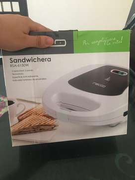 Sandwichera recco RSA-6150W blanca Negociable