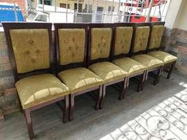 Se vende juego de 6 sillas NEGOCIABLE