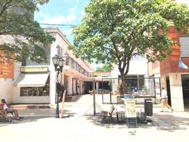 ZONA CASA HISTÓRICA: alquilo local 12 mts2 y de 24 mts2