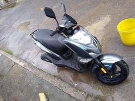 Vendo moto en buen estado twist. Interesados llamar o escribir