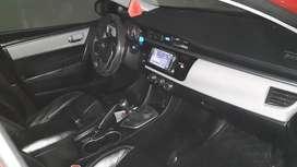 Auto   full en buenas  condiciones  tiene  boton de ensendido aire acondicionado  asiento  de cuero   todo original uso