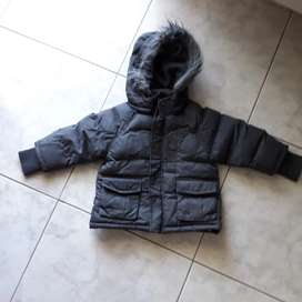 Vendo campera abrigo Cheeky.  Talle 2. Negociable.