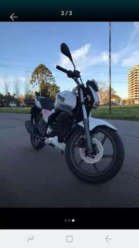 Vendo moto Benelli nueva.. excelente estabo