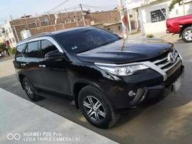 Se vende Toyota fortuner impecable