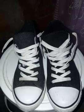 Zapatillas nuevas color negro Num 38