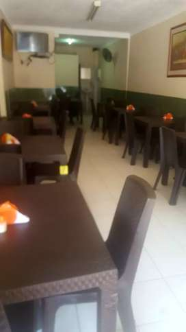 Restaurante necesita mesera joven ajil con experiencia