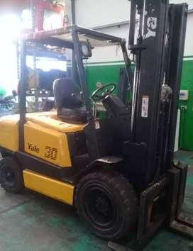 Autoelevador YALE 3000 kg