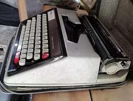 Maquina de Escribir brother Deluxe 1350 en buen estado