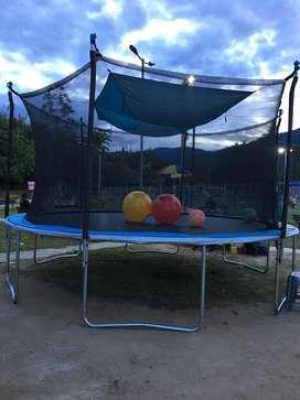 Alquiler trampolin-saltarin GRANDE para niños y adultos 40 mil por hora, pasabocas o platos fuertes
