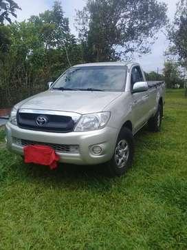 Vendo camioneta HiluxCS 2011